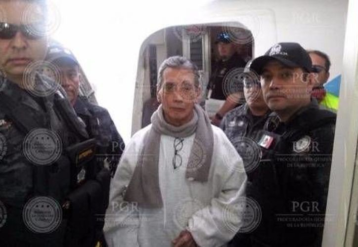 La PGR custodia la llegada de Mario Villanueva. (PGR)