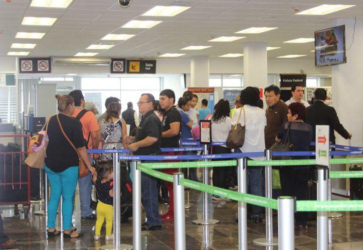 Se recomienda a los turistas que no puedan demostrar que fueron vacunados de pequeños que lo hagan antes de viajar. (Joel Zamora/SIPSE)