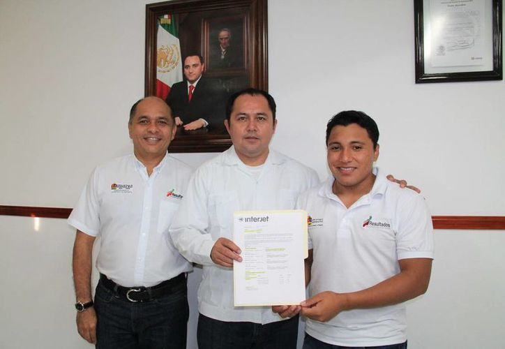 La entrega del apoyo se realizó en las oficinas de la rectoría del deporte. (Redacción/SIPSE)