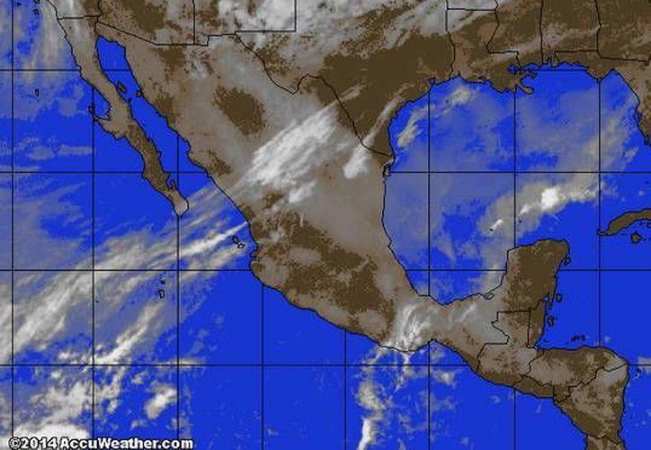 Entra aire marítimo tropical con contenido de humedad, proveniente del Golfo de México y mar Caribe hacia la Península de Yucatán. (accuweather.com)
