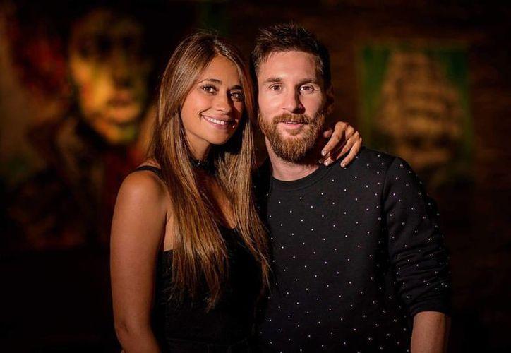 Lionel Messi y Antonella Roccuzzo serán padres por tercera vez. (Twitter).
