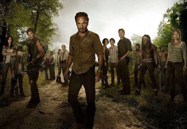 Los fans de The Walking Dead sabrán qué ocurrió antes del apocalipsis zombie: AMC prepara dos temporadas de 'spin off' (precuela). (moviepilot.com)