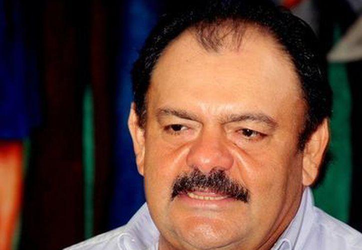 Eduardo Espinoza Abuxapqui halagó el trabajo de la diputación permanente. (Redacción/SIPSE)