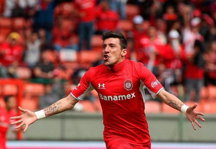 Édgar 'Pájaro' Benítez, jugador de Toluca, fue transferido a Gallos Blancos de Querétaro, con miras al torneo Apertura 2015 de la Liga MX. (Archivo/Jammedia)