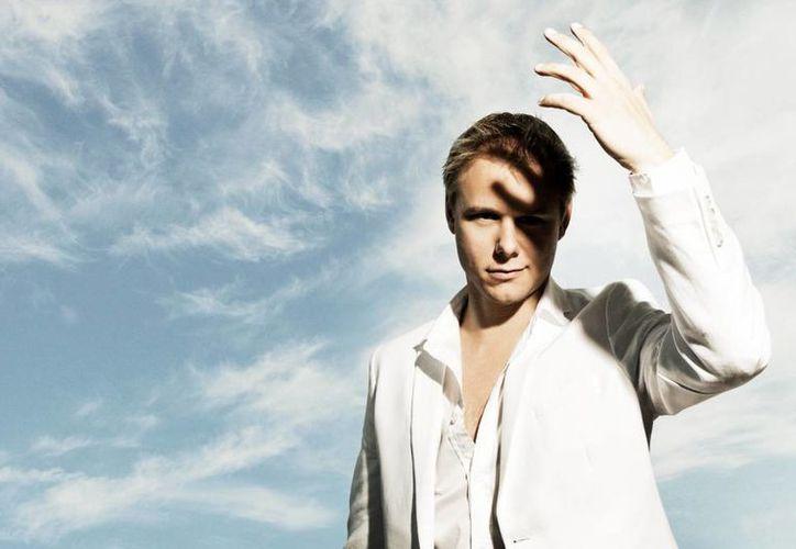 El Dj y productor Armin Van Buuren se presentará el próximo 31 de diciembre en Playa Mamitas de Playa del Carmen. (Milenio Novedades)