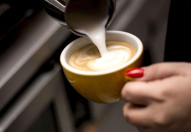 El estudio ahora tomó en cuenta  a personas que consumieran café y no fumaran.  (Pixabay)