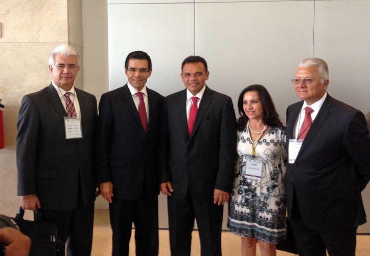 El gobernador Rolando Zapata Bello en la Semana del Emprendedor. (Cortesía)