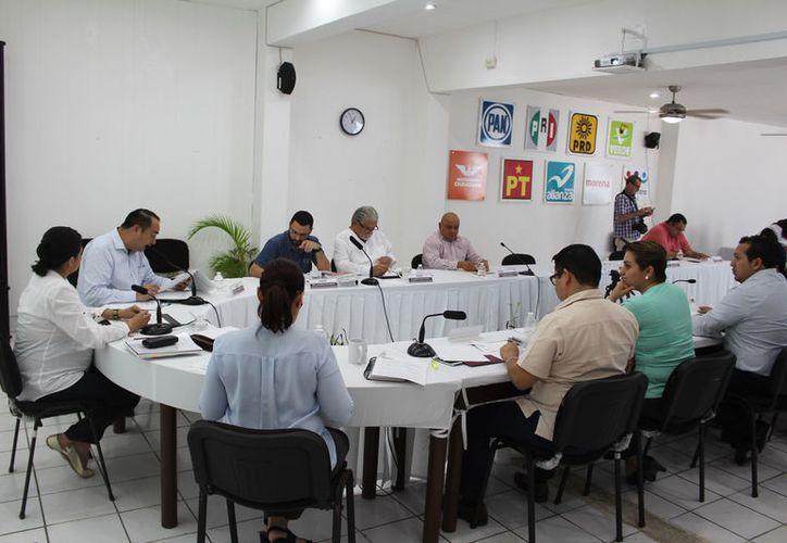 De acuerdo con el Ieqroo, en los municipios donde hay varios aspirantes, se registrará sólo aquel que tenga más rubricas. (Joel Zamora/SIPSE)