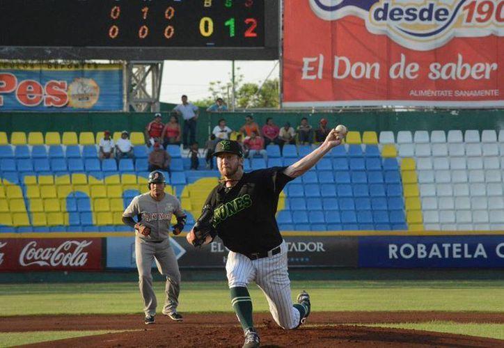 El segundo triunfo del estadounidense Kramer Sneed llegó esta tarde-noche ante los Broncos de Reynosa. (Facebook: Leones de Yucatán)