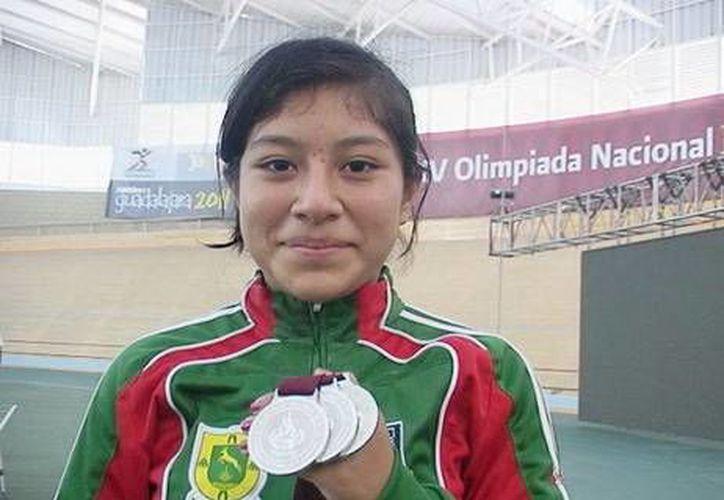 Los yucatecos que viajaron son Mayra Couoh Azueta y Jael Quintal Gorocica. (Milenio Novedades)