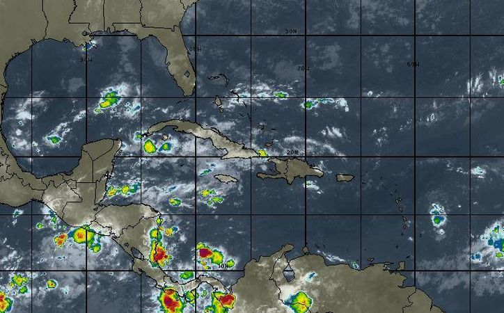 La probabilidad de lluvias es del  80 por ciento en Cancún. (Intellicast)