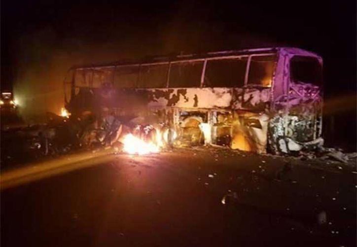 La vialidad fue reabierta ocho horas después del accidente. (López Doriga)