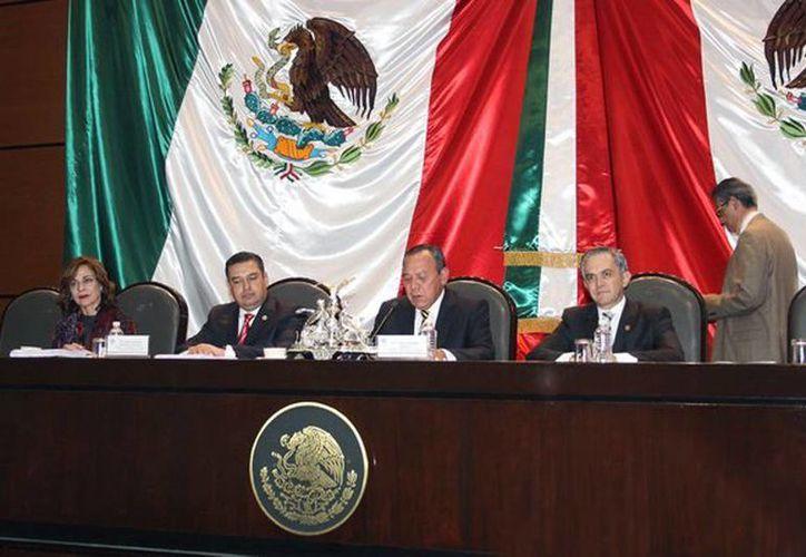 Imagen de la Comisión Permanente del Congreso de la Unión durante la declaratoria de Constitucionalidad de la Reforma Política de la Ciudad de México. (@ManceraMiguelMX)