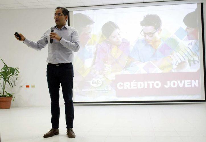 """Ayer se tuvo la presentación del programa """"Crédito Joven"""" en la Universidad del Caribe. (Yajahira Valtierra/SIPSE)"""