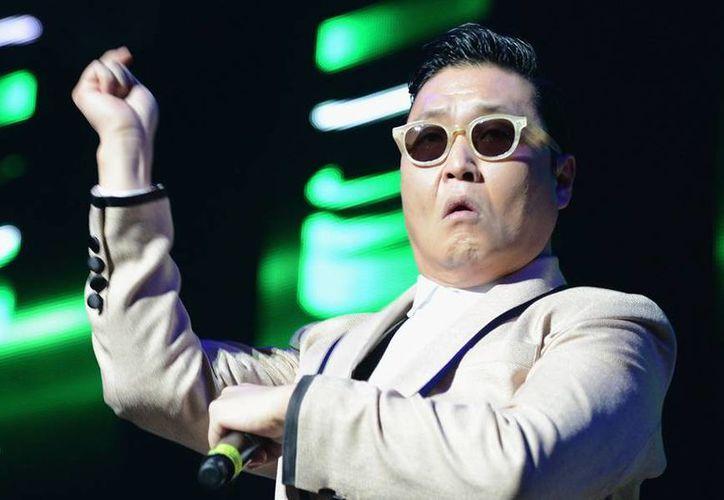 """Con """"Gentleman"""" el músico ofrece un atisbo de lo que podría ser la nueva locura mundial en las pistas de baile. (ryanseacrest.com)"""