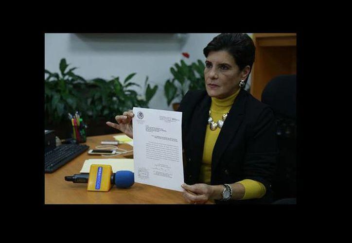 La presidenta del Congreso, María Elisa Manterola Sáenz, informó que este martes se dará entrada al documento en el que presuntamente Javier Duarte pide regresar a su cargo. (Isabel Zamudio/Milenio)