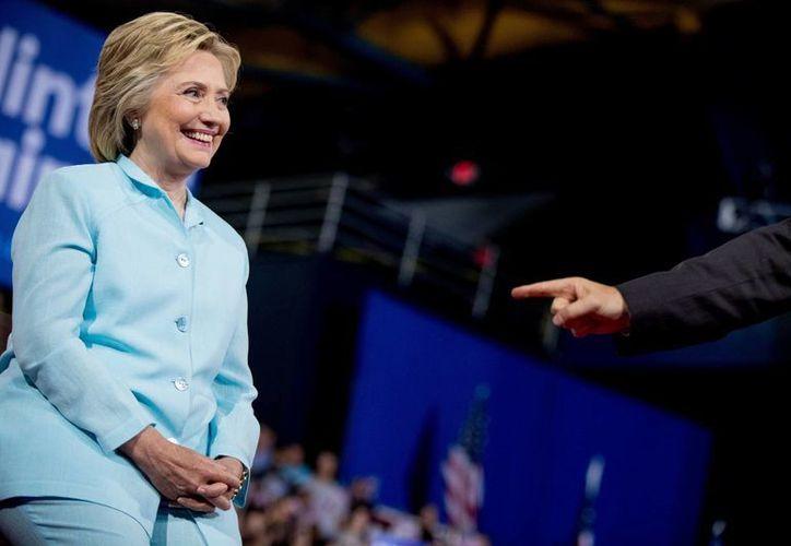 Hillary Clinton es la persona mejor calificada para encabezar la Casa Blanca, asegura el presidente Obama. (AP)