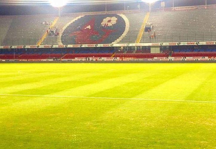 El estadio 'Luis Pirata Fuente' podría ser clausurado por la falta de pago, por parte de la directiva, encabezada por Fidel Kuri.(Mayra Orduño/Mediotiempo)