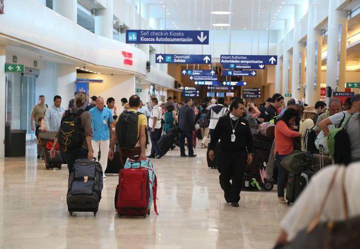 Piden a los turistas tomar precauciones adicionales en los lugares que visitan. (Israel Leal/SIPSE)