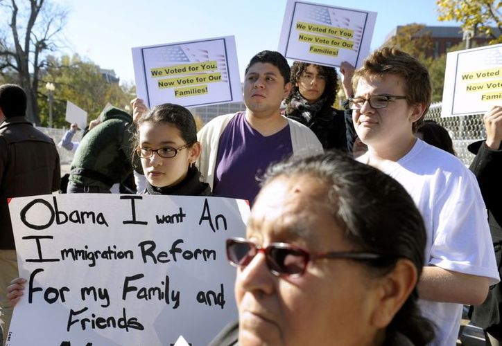 Inmigrantes exigen a Obama una reforma integral migratoria que incluya los servicios de salud. (Agencias)
