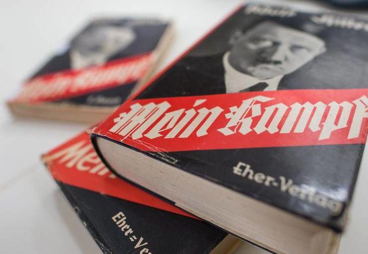 'Mi lucha', libro que fue editado por el Instituto de Historia Contemporánea en Munich, saldrá a la venta en enero próximo y tendrá un costo de 59 euros. (AP)