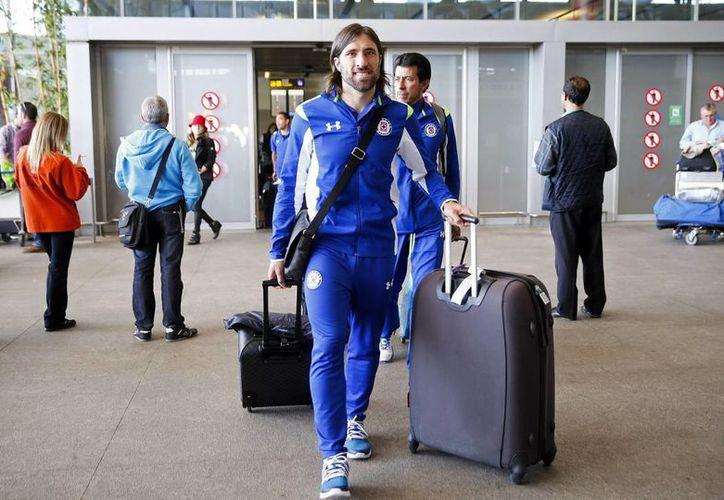 Mariano Pavone regresa a España, donde ya jugó, para disputar el Mundial de Clubes con Cruz Azul. (EFE)