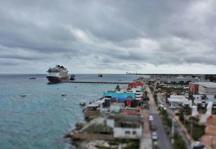 Durante la semana del 2 al 8 de septiembre, arribaron aproximadamente 33 mil 300 visitantes a la isla. (Gustavo Villegas/SIPSE)