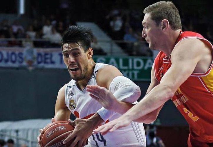 Gustavo Ayón brindó un muy buen juego para conducir a 'semis' al Real Madrid de baloncesto. (Real Madrid)