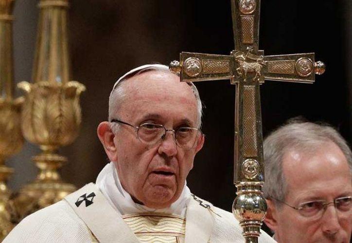 El Papa Francisco lavará los pies de 12 reclusos de la prisión central de Roma.  (AP)