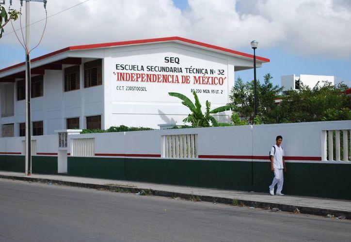 La escuela secundaria se ubica en la Región 200. (Tomás Álvarez/SIPSE)