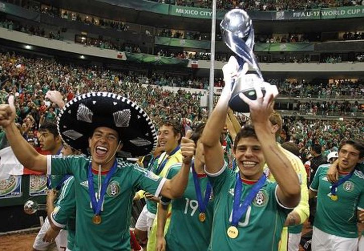 La gente se va a encontrar con los trofeos que ha ganado México, como la Copa FIFA Confederaciones, las 10 copas oro, los dos trofeos sub 17 y la medalla olímpica. (Foto: Reuters).