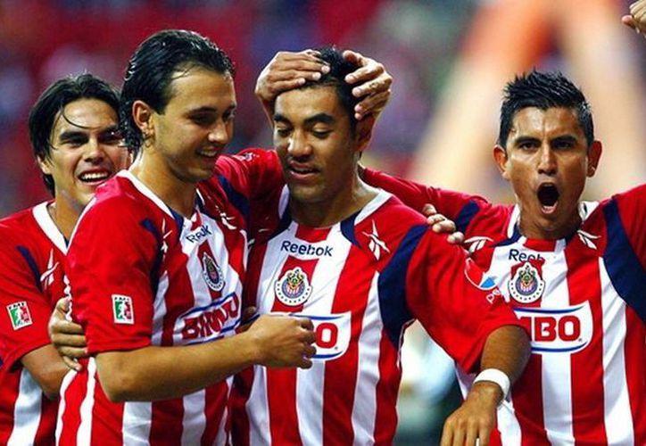 Marco Fabián ya no está considerado para el encuentro Puebla-Chivas. (Archivo Notimex)