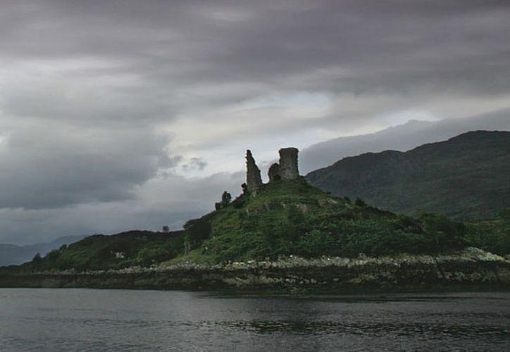 El icónico pico del castillo en la pared izquierda había desaparecido por completo.  (Commons.wikimedia.org )