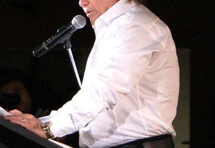 Licenciado Alejandro García Gamboa, durante su discurso en la inauguración de la 57 Semana de Radio y Televisión de la CIRT. (SIPSE)
