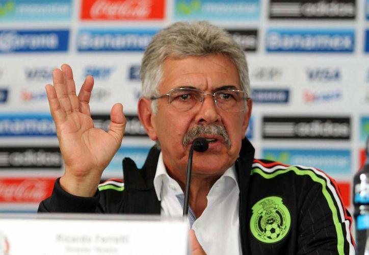 Ricardo Ferretti, Tuca, entrenador de la Selección Mexicana de futbol, declaró que en breve se podría dar a conocer una lista previa de jugadores para enfrentar a EU por el pase a la Copa Confederaciones. (Notimex/Foto de archivo)
