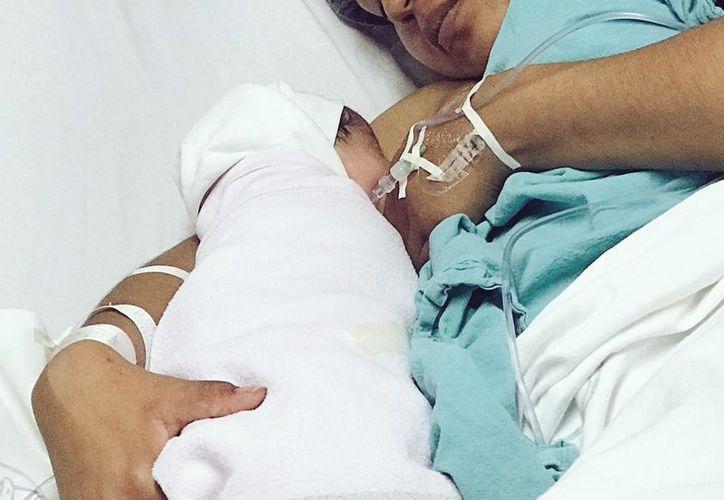 Stephanie Michelle es la primera bebé que recibió México en 2018. (Twitter)
