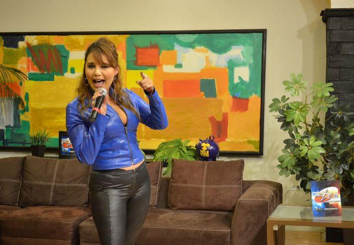 La cantante se encuentra en el proceso de selección de canciones para su nuevo disco. (Christian Ayala/SIPSE)