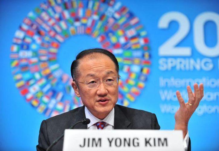 """El presidente del Banco Mundial, Jim Yong Kim, informó que se """"espera"""" una aceleración de la economía """"hasta 2017"""", el año previo al cierre de la administración del presidente Enrique Peña Nieto. (Archivo/Notimex)"""