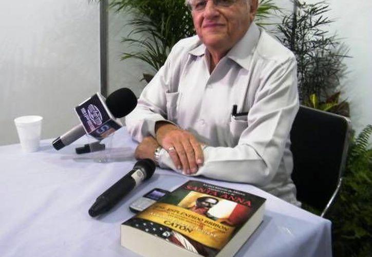 """""""Catón"""" destacó que se llame """"Feria de la Lectura"""" y no del libro al evento en Yucatán. (SIPSE/Archivo)"""