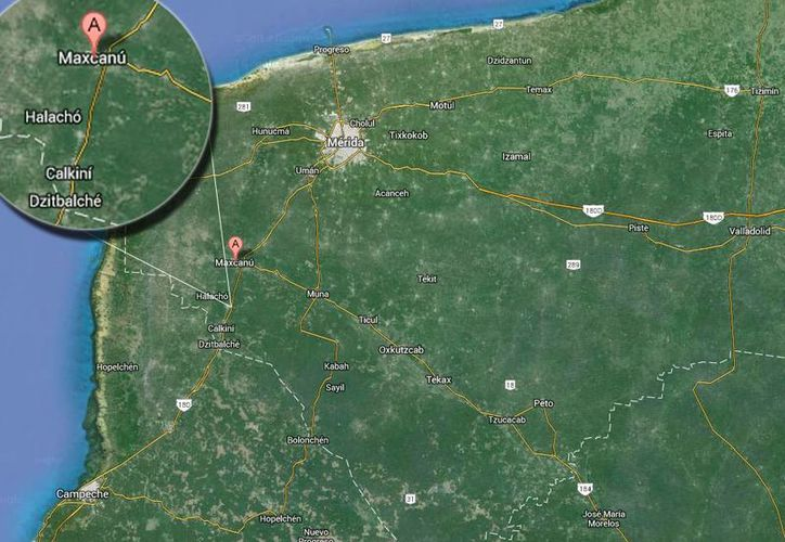 Maestros inconformes y padres de familia yucatecos bloquean de la carretera Mérida-Campeche en el tramo Maxcanú-Halachó. (SIPSE)