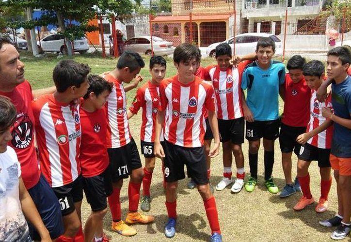 Pioneros de Cancún hizo lo suyo al derrotar por global de 6-4 a Tuzos Mérida. (Ángel Mazariego/SIPSE)