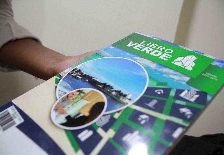 Quintana Roo lanzó su primera edición del libro verde en 2016. (Paola Chiomante/SIPSE)