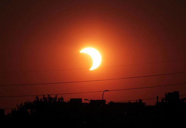 El próximo eclipse anular de Sol de este año sólo se podrá ver en países como Chile y Argentina. (wikiwand.com)