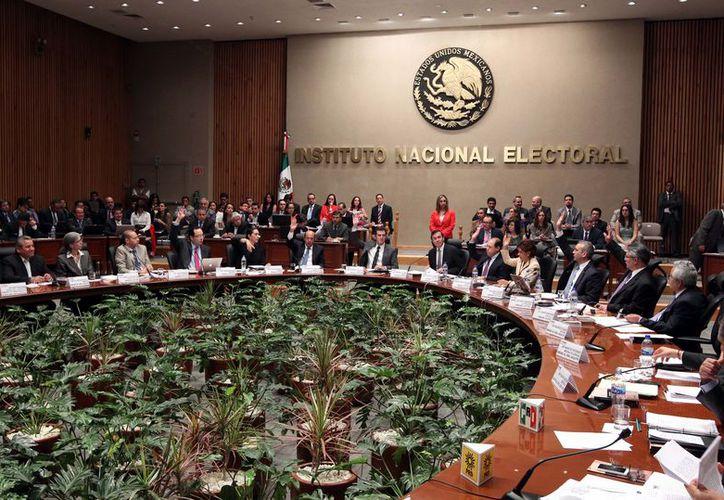 La Sala Superior estableció que conforme al Artículo 16 de la Constitución Política de los Estados Unidos Mexicanos, la competencia es un requisito inherente al principio de legalidad. (Archivo/Agencias)