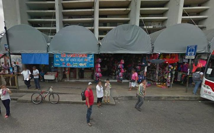 El puesto donde se vendió el billete ganador se ubica en la esquina de la calle 54 por 69, en el mercado San Benito de Mérida. (Google Maps)