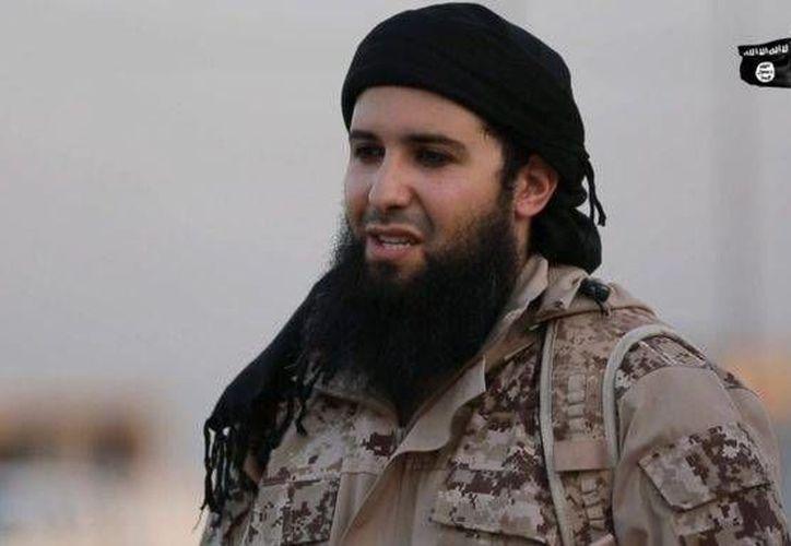 Según algunas fuentes, las cuatro jóvenes francesas detenidas el martes simpatizan con el terrorista Rachid Kassim, quien aparece en la imagen. (Agencias)