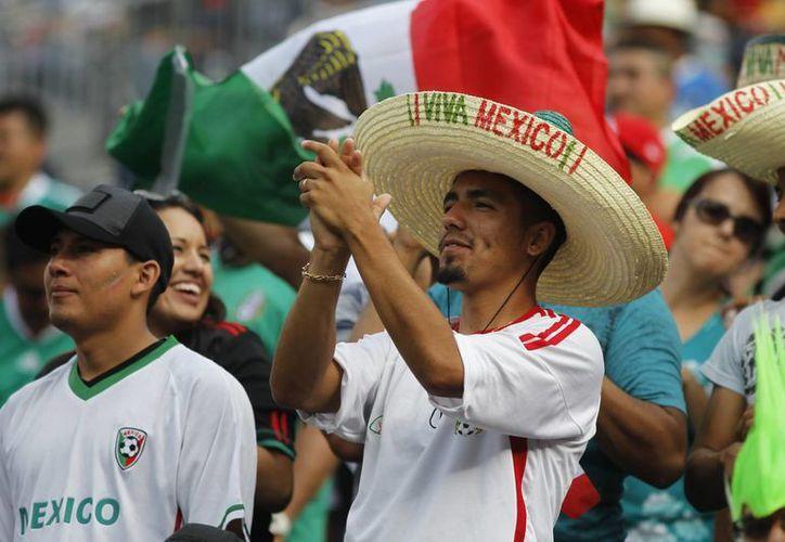México empieza a soñar con el refrendo de la Copa Oro de Concacaf. (Agencias)