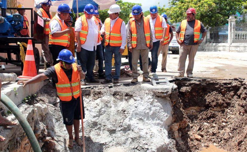 Los trabajos previos comenzaron ayer con la apertura de la zanja. (Novedades Yucatán)