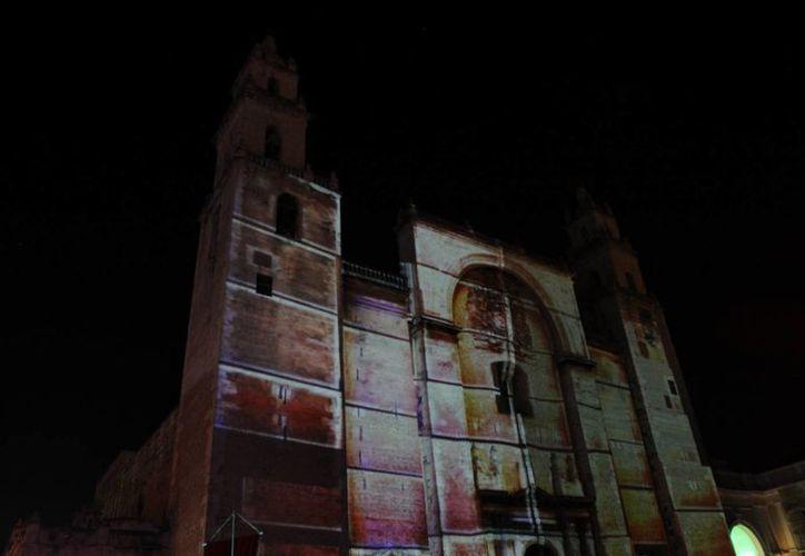 El videomapping volverá a aplicarse en la Catedral de Mérida, pero antes el INAH estudia hacerle unos ajustes. (Milenio Novedades)
