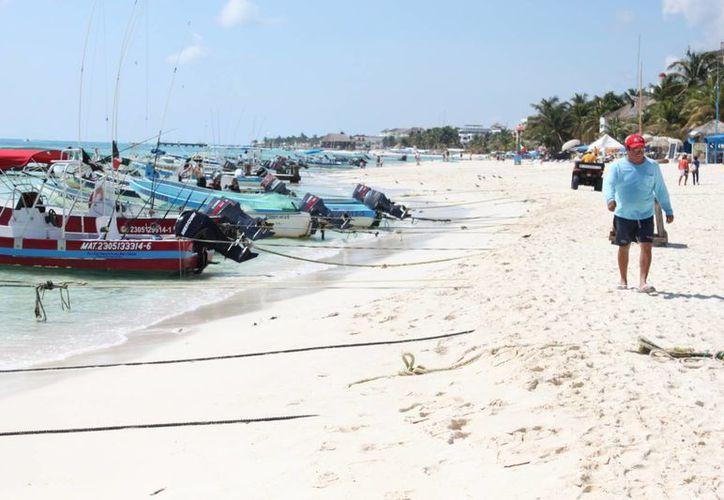 Disminuye la presencia de turistas en la zona de playas. (Adrián Barreto/SIPSE)